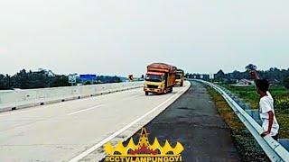 Oleng parah.....Kumpulan video truck oleng di jalan tol , PART 2