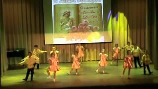 Концерт ко Дню Матери часть I в ДШИ города Няндома(В концерте участвовали учителя и ученики школы искусств города Няндома (ДШИ), 2016-02-07T18:09:52.000Z)