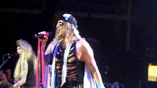 Steel Panther: 17 Girls In A Row