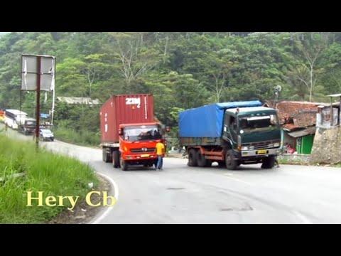 Truck kontainer ga kuat Nanjak,mundur lg ke bwh,Tanjakan Wadon,Bandung Barat