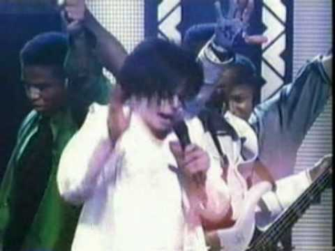 The Jacksons: Shake Your Body (Live New York  2001).