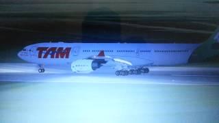Fsx, TAM A340-500 Air Lines Landing in Cancun International Airport.