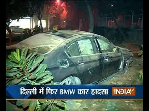 Watch Speeding Bmw Car Crashes Into Divider Near Rml Hospital Youtube