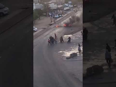 Manifestations à Rufisque : des routes bloquées