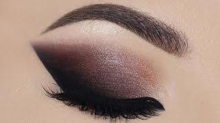 cat smokey eyes dark lips gwen stefani palette huda beauty lip contour   melissa samways