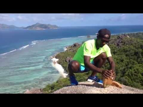How to open a coconut Seychelles style - Sunny Trail Guide