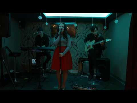 Смотреть клип Корень из трех - Мой рок-н-ролл (Чичерина&Би-2 cover) онлайн бесплатно в качестве