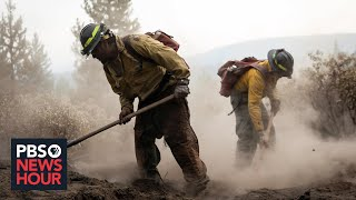 News Wrap: Firefighters contain 80% of Oregon Bootleg Fire; lift evacuations in California