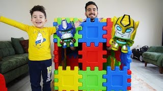 Yusuf' a Sihirli Kutuda Sürprizler Var | Kids pretend play with transformers toys