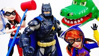 Batman & Batgirl Need Harley Quinn's Magic Hammer~! - ToyMart TV