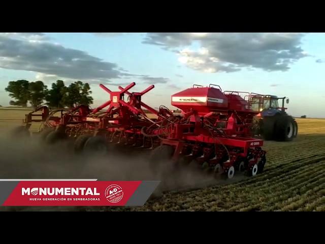 Sembradora Monumental Air Drill 12000, 53 lineas a 21 cm con fertilizacion, TRACTOR CASE.