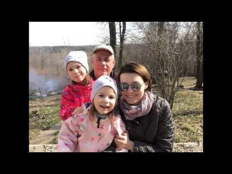 Поёт Сергей Доренко и жена Юлия