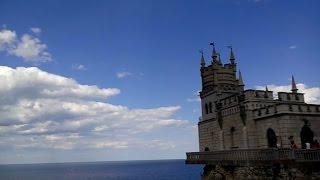 Ласточкино гнездо экскурсия с рассказом гида из Ялты по морю.