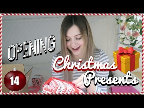 Opening Christmas Presents from Taylor ❤️ Vlogmas Day 14