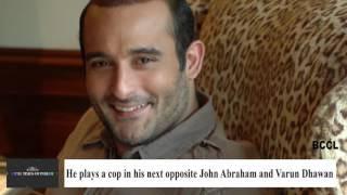 Akshaye Khanna back to socialising after 'Dishoom' trailer launch