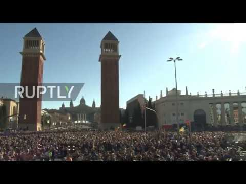 Spain: 10,000 musicians participate in solidarity concert for jailed Catalan leaders