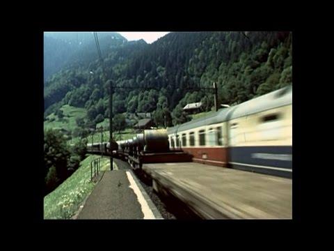 14. Juli 1984: Züge am Gotthard mit bunten DB-, SBB-, FS-Wagen (Arth-Goldau, Intschi, Göschenen)