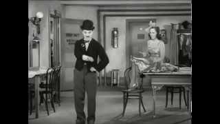 Charlie Chaplin en Tiempos modernos...