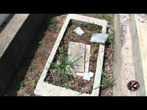 Bukharian Jewish Cemetery Chigotay In Tashkent, May 2012