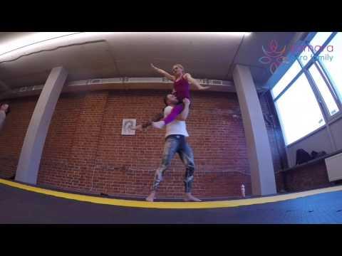 Acro Yoga Dance