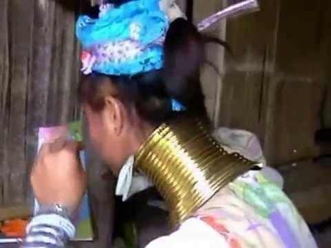 Thailand - Frauen mit Halsringen (Giraffenfrauen).mp4