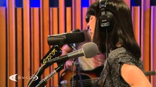 "Kimbra performing ""Cameo Lover"" on KCRW"