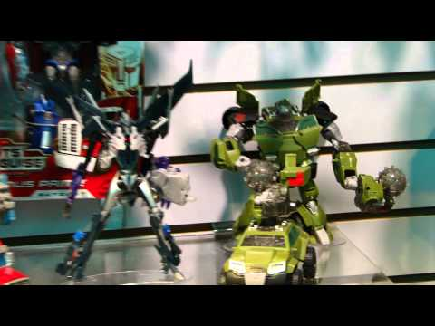 Transformers Prime Robots in Disguise Voyagers at Toy Fair 2012