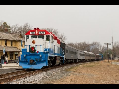 Cape May Seashore Lines' Santa Train with leased GMTX Geeps