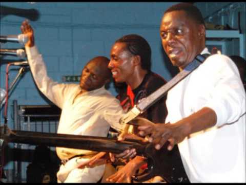 Amake Boyi - Alick macheso - Live(Audio)