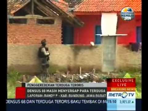 Detik-Detik Penggerebekan Oleh Densus 88 Di Kec. Marga Asih Kab. Bandung (1/8)
