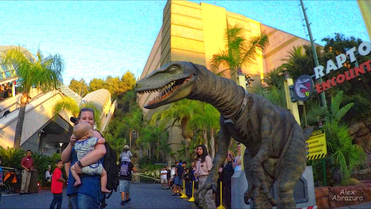 Jurassic Park Velociraptor Raptor Encounter at Un...