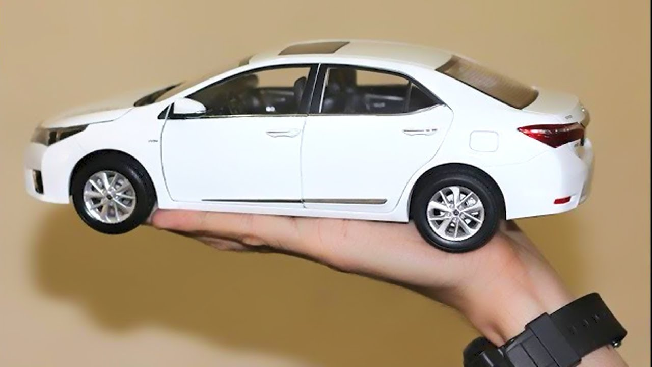 Unboxing Of Toyota Corolla Altis 2017 1 18 Cast Model Car