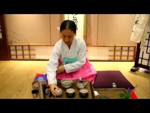 Traditional Korean Tea Ceremony in Busan - ASMR