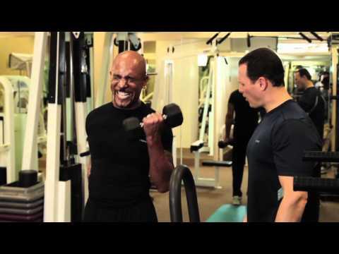 Montel Williams worksnout with trainer Joe Fucillo.