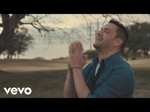 V铆ctor Manuelle - Agua Bendita (Official Video)