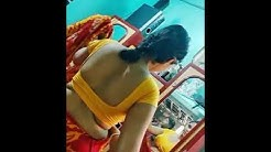 Cute housewife aunty in saree hot show in home.