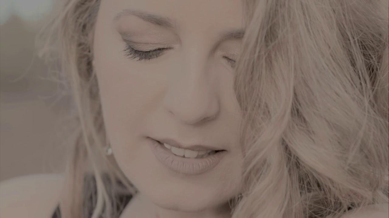 Die Zauberflöte: Ach, ich fühls - Iria Perestrelo, Soprano