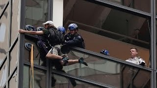 CRAZY KID CLIMBS THE TRUMP TOWER (VIDEO)(Watch yesterday's vlog! - https://www.youtube.com/watch?v=zvt1UjM0ht8 Main Channel http://www.youtube.com/user/SlimMofication you can send me stuff here ..., 2016-08-11T00:57:42.000Z)
