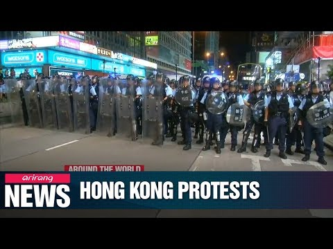 Hong Kong protesters take to Kowloon to take message to mainland Chinese