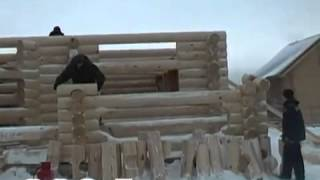 Строительство дома из оцилиндрованного бревна(Наглядно показана технология строительства дома из оцилиндрованного бревна зимой. http://stroitelstvodachi.com/stroitelstvo-d..., 2012-09-03T10:01:41.000Z)
