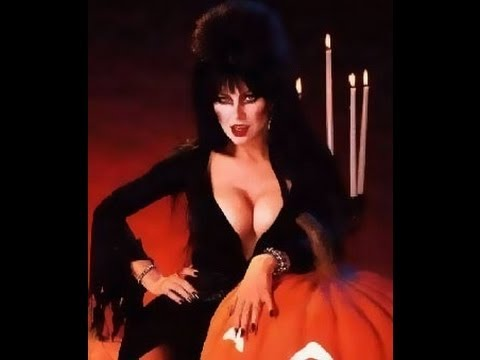 Elvira comments on the movie
