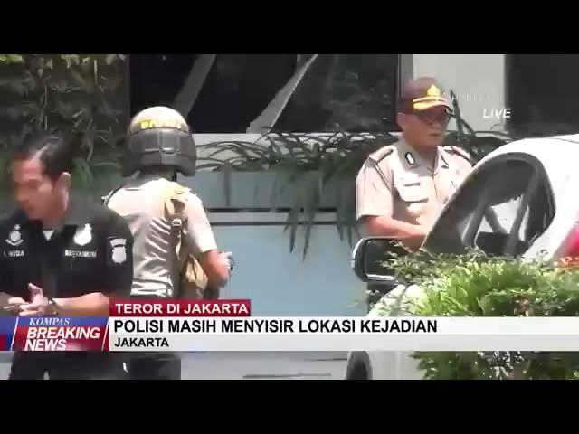 polisi baku tembak dengan pelaku bom sarinah