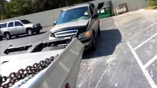 Flat bed tow truck, Towing cars, Using the wheel lift AKA stinger