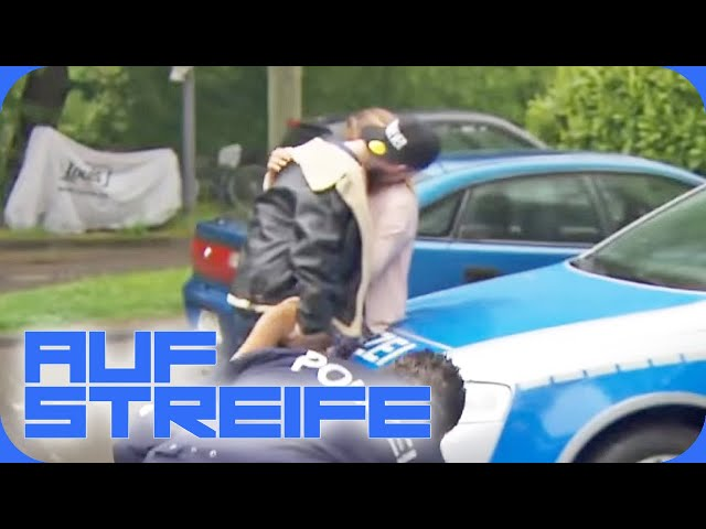Knutschen auf dem Streifenwagen: Warum ist sie so respektlos?   Auf Streife   SAT.1 TV