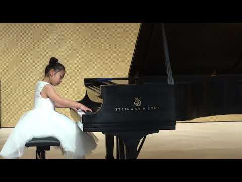 2018 CMC 8 Years Old Elizabeth Chen plays Sonatina Op 168,no 2 by Diabelli