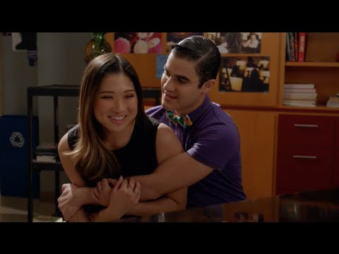 GLEE - Loser Like Me (Season 5) (Full Performance) HD