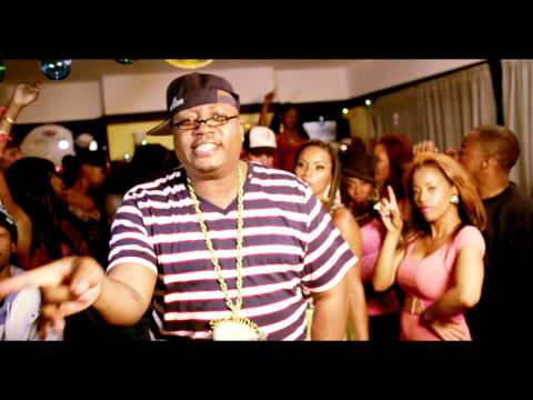 "E-40 f/ C Ballin ""Turn it up"" music video"