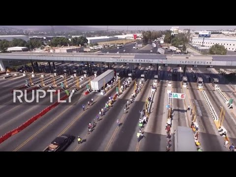 Mexico: Demonstrators blockade Mexican highway to protest fuel price rise