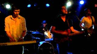 The Tunics-  Slaves Ride On These Waves (2.0) live in Berlin 30th May 2011
