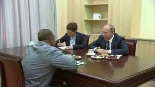 VLADIMIR PUTIN MEETS WITH ROY JONES JR.